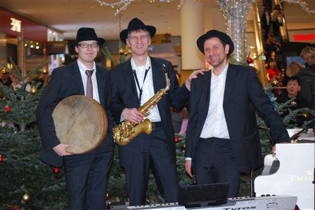 Gruppenfoto der Weihnachtsband: Jazz zur Adventszeit