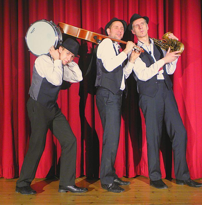 Die marching Band Grooving Harmonists sucht sich ihren Weg . . .