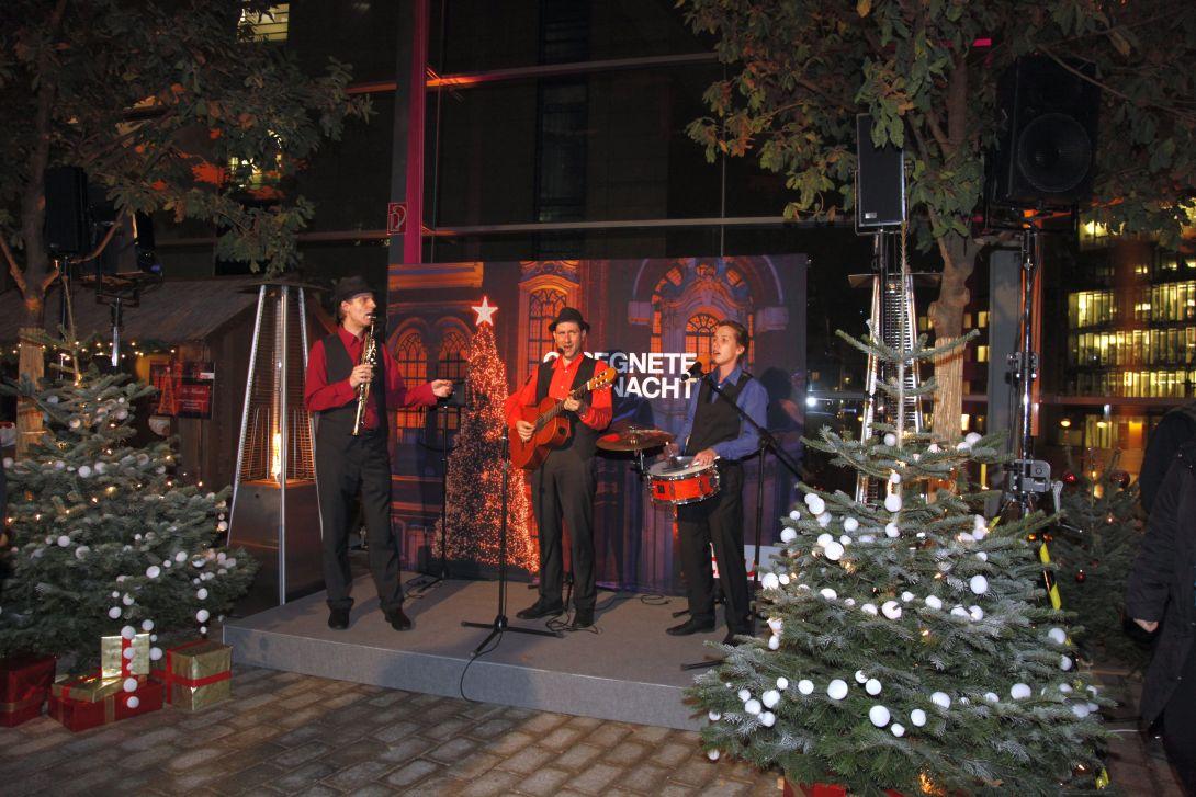 Festliches Weihnachtsspecial im Trio